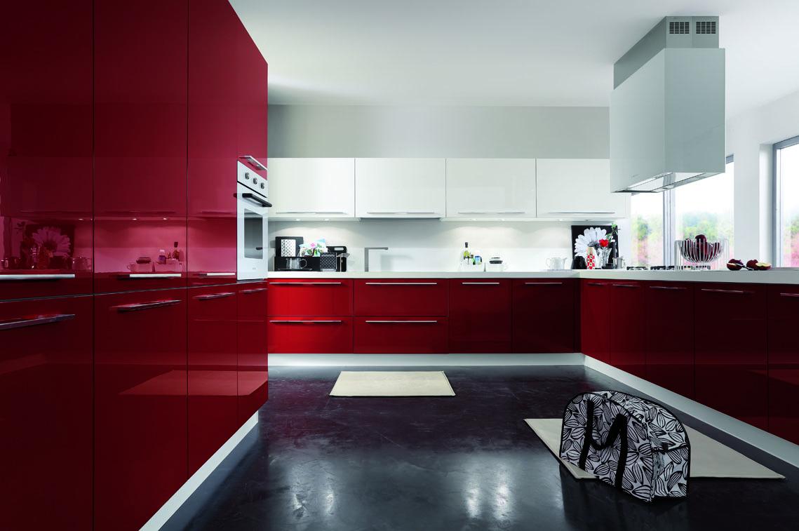 Primafila lucentezza e colore per uno stile moderno in - Cucina bordeaux ...