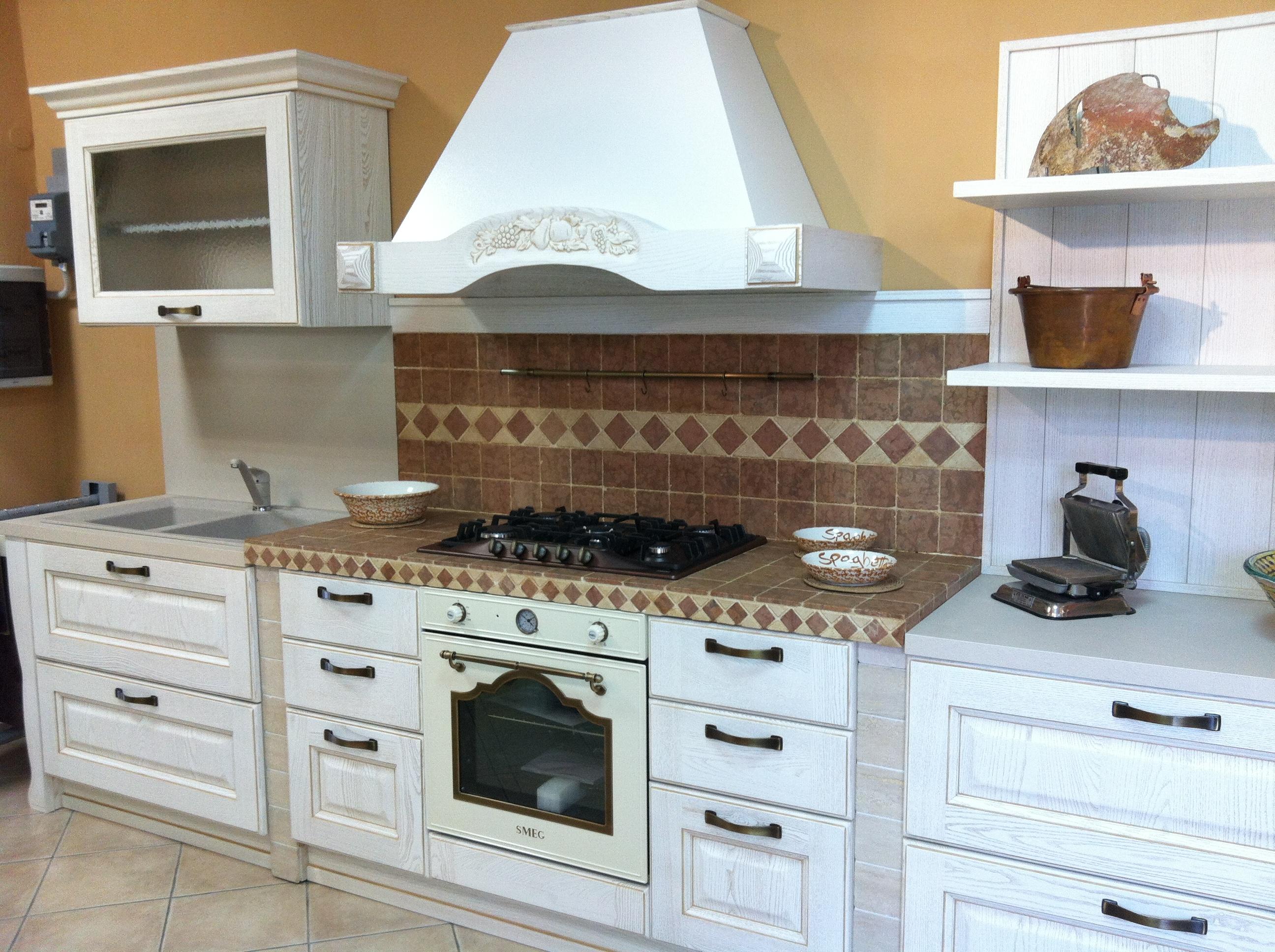 cucina laguna di gicinque in esposizione arredamenti fanfarillo