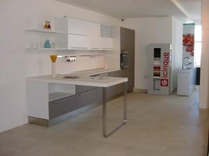 Cucine gicinque a malta gicinque cucine - Cucina color melanzana ...