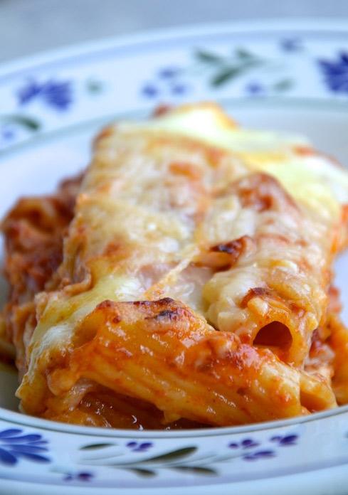 """Pasta al pomodoro """"pasticciata"""": un classico della cucina italiana rivisitato in modo non convenzionale! Un pò come la cucina Elite di Gicinque …"""