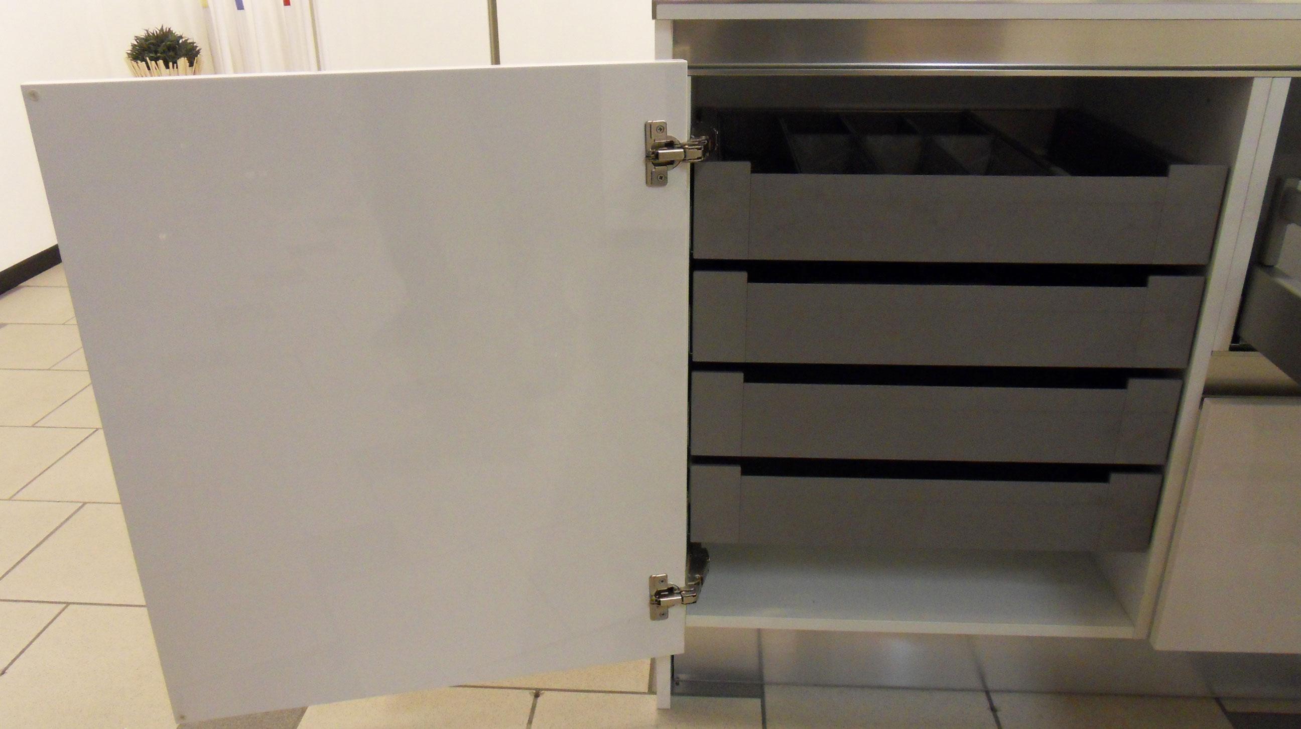 Mobili per cucina con cassetti design casa creativa e - Mobile con cassetti per cucina ...
