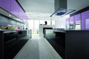 Cucina Primafila ante laccato lillà e nero