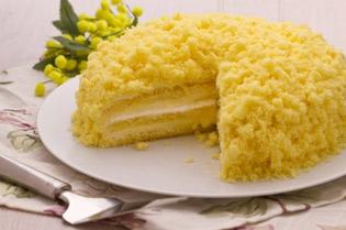 La torta mimosa per festeggiare le donne
