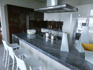 Cucina Kristal arreda lussuosa villa in Canada