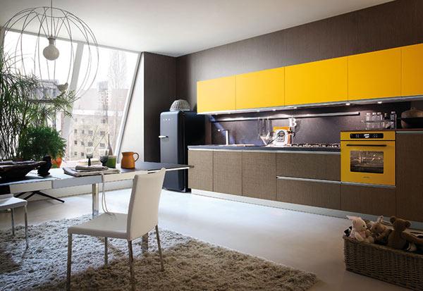 Cucina karisma giallo e rovere chanel gicinque cucine for Karisma arredamenti parrucchieri