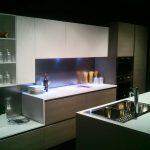 Cucina moderna Slim nella nuovissima finitura Rovere Argilla e bianco opaco
